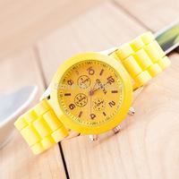 5pcs/lot unisex quartz relogio geneva watch 15colors candy color women ladies female wristwatches sports watches Wholesale