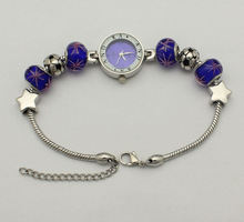 Straight hole bead bracelet to wear navy blue watch