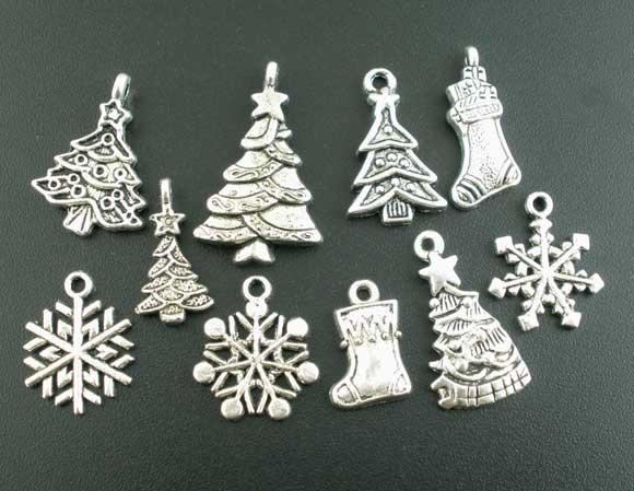 Hot Selling 2015 Christams Jewelry 40PCs Mixed Silver Tone Christmas Motif Charms Pendants(China (Mainland))