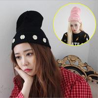 New Fashion Winter Pearl Chrysanthemum Petals Cute Knit Hats Wool Lady Hedging Warm Hats