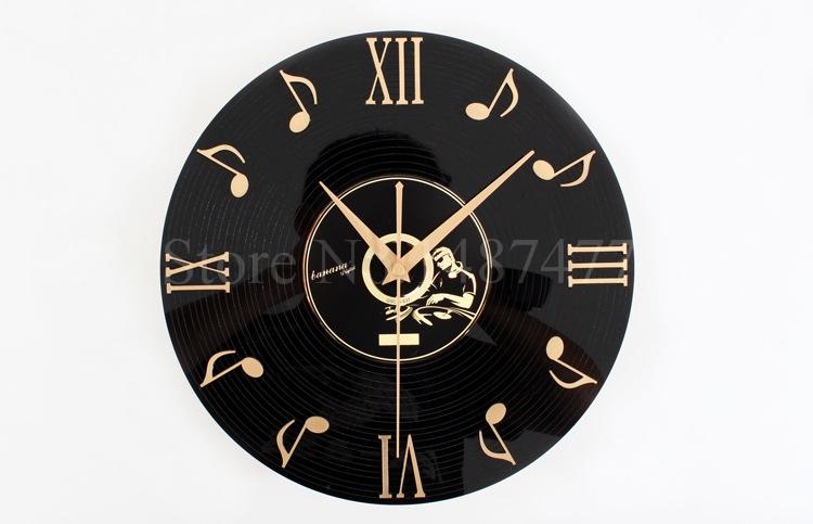 Часы настенные из пластинок