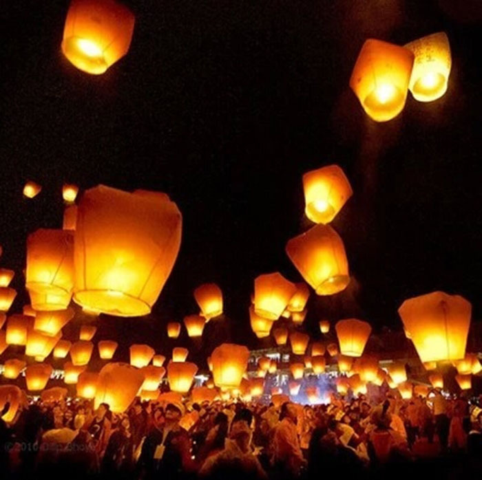 5pcs/lot Promotion Chinese Conventional Festival Balloon ufo Lamp Kongming Wishing Sky Lanterns Wedding Party Paper Lights(China (Mainland))