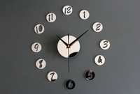 Home Decor Wall Clock Acrylic Creative Mirrors Figure in Small Round Wall Clock Best DIY Clock for Your Unique Visual Perception