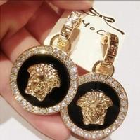Major suit portrait of Circular Earrings Retro party Earrings High-grade socialite Earrings Free Shipping
