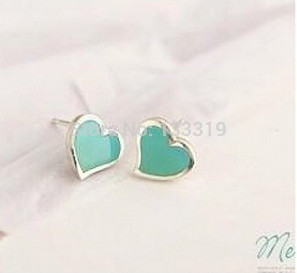 2015 Hot Fashion delicate little love earrings Free Shipping