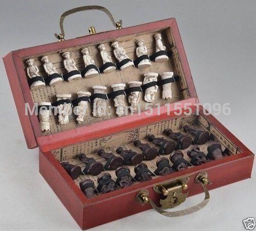 DChinese Army Style 32 Pieces Chess Set Leather Wood Box(China (Mainland))