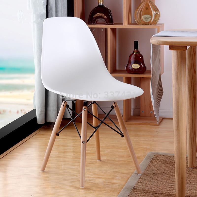 Charles ray eames dsw chaise mobilier de maison salle for Chaise de salle a manger en plastique