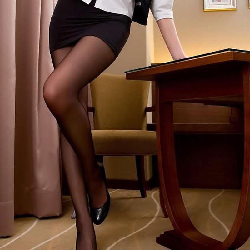 Фото женщин в сексуальных колготках 21016 фотография