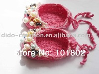 (2 pairs/lot)  100% cotton Handmade Crochet Baby Shoes with beads footwear KT07004