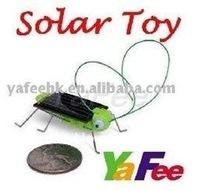 Free Shipping  Wholesale Solar Grasshopper,Green gift,Mini Solar Toy Novelty Gift 3C-180