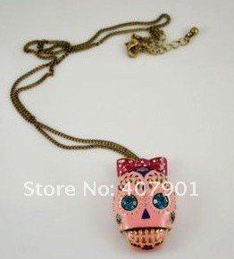 Wholesale 2011 latest style,hot sell ,Personalized Necklace,Pirates of the Caribbean Pink Skull Necklace! Free shipping