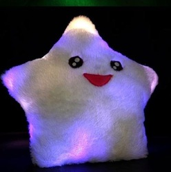 Free Shipping 10PCS/lot 40x38cm even color changing LED light Lucky star pillow and heart pillow(China (Mainland))