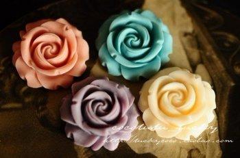 Hot Selling~!! 30mm Europe Flat back resin cabochon flower,vintage plastic 100pcs