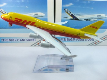 Free Shipping,Airlines plane model,   DHL  B747 , 16cm, metal airplane models,airplane model