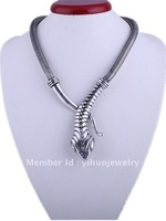 latest fashion jewelry snake necklace