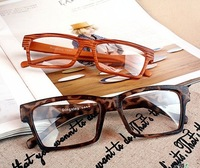 Free shipping!Wholesale Fashion Wood Grain Square Eyeglasses for Men New Designer Eyewear