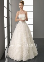 Best Selling Custom Made Ball Gown Strapless Court Train Feathers Beaded 2012 New Style Luxury Feather Wedding Dress W-080