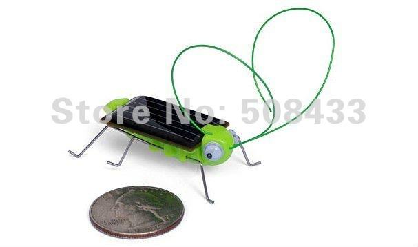 10pcs/lotPower Energy Solar toy Green solar Grasshopper with 4 legs free shipping Mini GrasshopperFor Kids(China (Mainland))