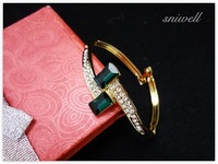 Sniwell / 18 K Gold Plated Alloy Nice Dark Green Oblong Rhinestone Connected thin Chain Bangle Women Fashion Bangle J1251397