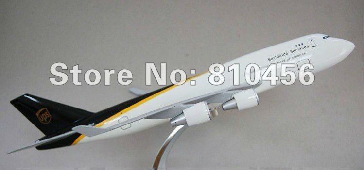 Free Shipping!UPS express, B747 47cm,Resin airplane models,aviationmodel,1/400 SCALE DESKTOP AIRPLANE MODEL DISPLAY,(China (Mainland))