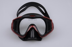Sturgeon Dragon diving mask M208S Silecone mask black black with red black with blue(China (Mainland))