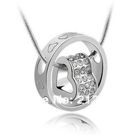 White gold plated circle crystal necklace withheart diamond in the centre,circle and heart Austria Crystal/diamond necklace.