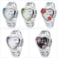 Free Shipping New Sweet Heart clover quartz watch for girl - white surface of RED / PURPLE / GREEN / BLUE / BLACK  Flowers