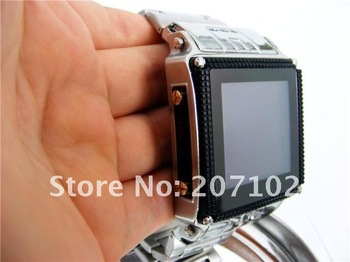 Free shipping by China Post! Quad-bands stainless waterproof Wrist watch phone W818 with camera