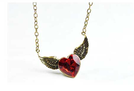 Korean Fashion Star Accessories Vintage Metal Red Heart Necklace With Wing Short Design Female Necklace(China (Mainland))