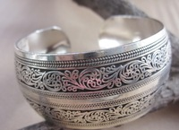 BR095 European Carved Style Metal Tibetan Silver vintage retro Fashion Cuff Bracelet Bangle Free Shipping  for her Cuff
