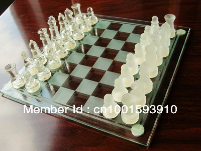 Classical Solid Glass Chess Set Board Games Family Education Brain Games(China (Mainland))
