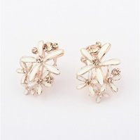 Min.order is $15(mix order)2013 nwe Colorful flowers fashion boutique Earrings Studs