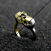 Gothic jewelry small wholesale western style restoring ancient ways is a vampire skull ring - kiss of death 2917-21