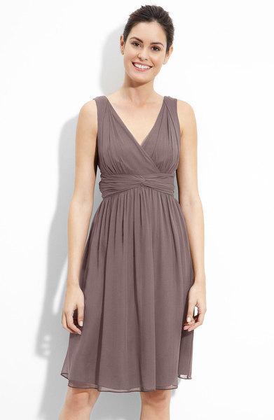 achetez en gros grise robe de demoiselle d 39 honneur en ligne des grossistes grise robe de. Black Bedroom Furniture Sets. Home Design Ideas