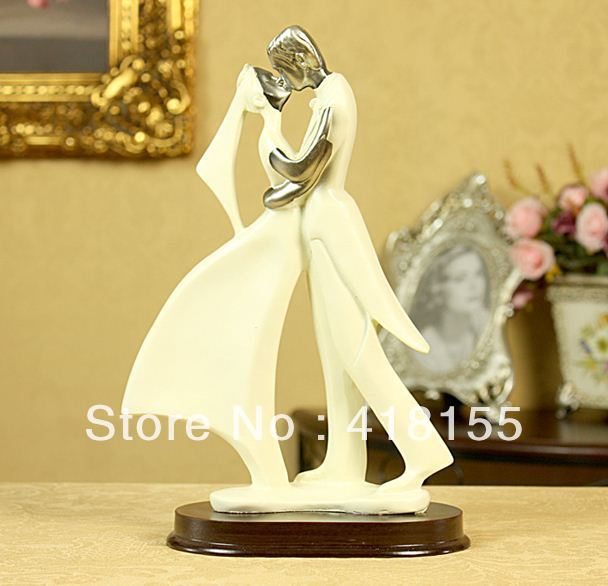 Kissing Couple Resin Craft / Lovers / Wedding Gifts / Valentine Gifts / Home Decor - Free Shipping(China (Mainland))