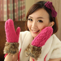 Free Shipping  Ladies Warm Winter Knitted Fleece Lined Gloves Mittens For Women 24*8cm