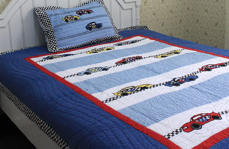 "Free shippind Kids Sports Car quilt bedding applique design 100% cotton 2pcs twin size bedding set 68""x86""(China (Mainland))"