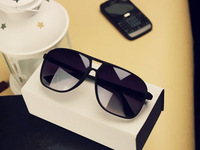 Best selling Fashion designer sunglasses Brand Sunglasses, Mens and Womens sun glasses,  Free shipping!