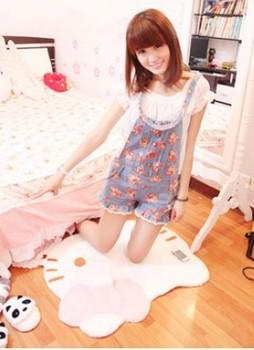 Freeshipping Hot Selling hello kitty carpet mats HELLO KITTY bedroom carpet kitty carpet plush rug 7pcs/lot