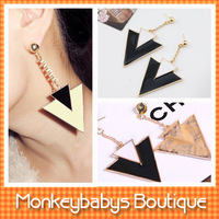 #JJ023 2013 New Magazine Fashion Earrings women Black and White Triangle Drop Earring exaggerated Ladies' decoration Jewelry