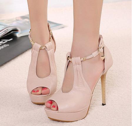 لكل بنات المنتدى Rome-sandals-2013-ho