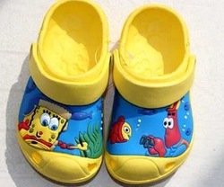 FREE SHIPPING/Retail Hot Selling Summer Fashion Kids Garden Cartoon EVA Shoes/Children Beach Sandals Slippers 4 colors(China (Mainland))