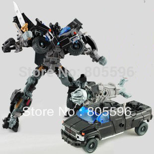 19cm Ironhide 3C Domestic Voyager Deformation Robot Dark of the Moon Action Figures boy's birthday toy Without the original box