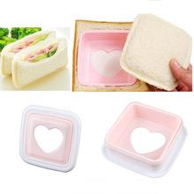 2014 especial Hot Sale Low Cost coração portátil forma Hearted pão Sandwich torradeira Mold Mould cortador DIY ferramenta #23282(China (Mainland))