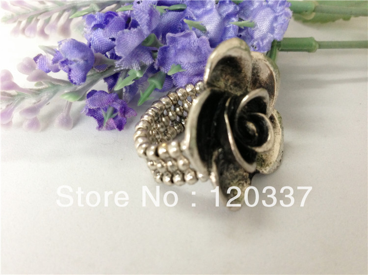 rose finger ring carved floral fashion jewelry stretchy flower costume finger ring Min. order $ 15 for assorted styles(China (Mainland))