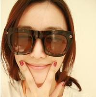 I-bright 2013 fashion sunglasses oversized  retro large frame sunglasses women star style rivet wholesale free shipping