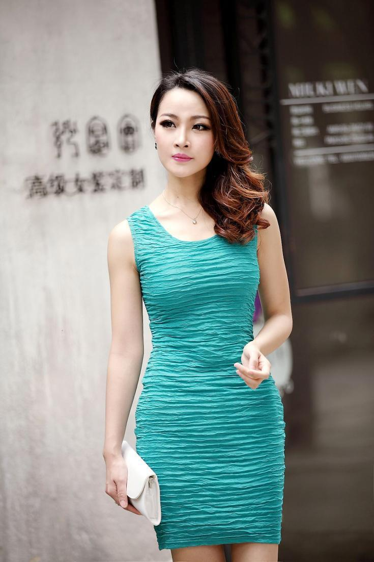 New dress summer 2013! Ladies' Sexy Celebrity Bandage Green mini dress, Women Party Bodycon Dress, Short Sleeves OL Career Dress(China (Mainland))