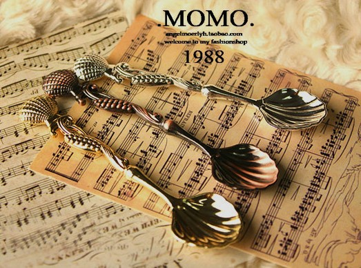 Fashion royal 2149 wind vintage gold and silver coffee spoon flavorfully ice cream spoon small flower-de-luce spoon(China (Mainland))