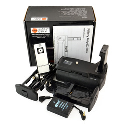 DSTE D3100+ Pro Multi Power Battery Grip Holder with Remote + EN-EL14 Battery for Nikon D3100 D3200 NEW(China (Mainland))
