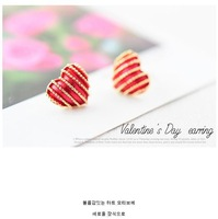 Diamante stripe heart-shaped earrings,Korea jewelry,British Style,wholesale and retail,free shipping,0245